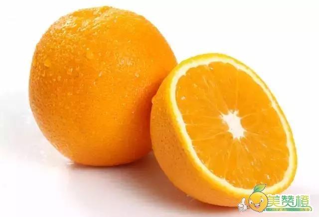 橙子含有一定的那可汀和橙皮油成分,这两种成分,只有在蒸煮之后才会从橙皮中出来。尤其适合久咳不愈的人吃,完全没有副作用。